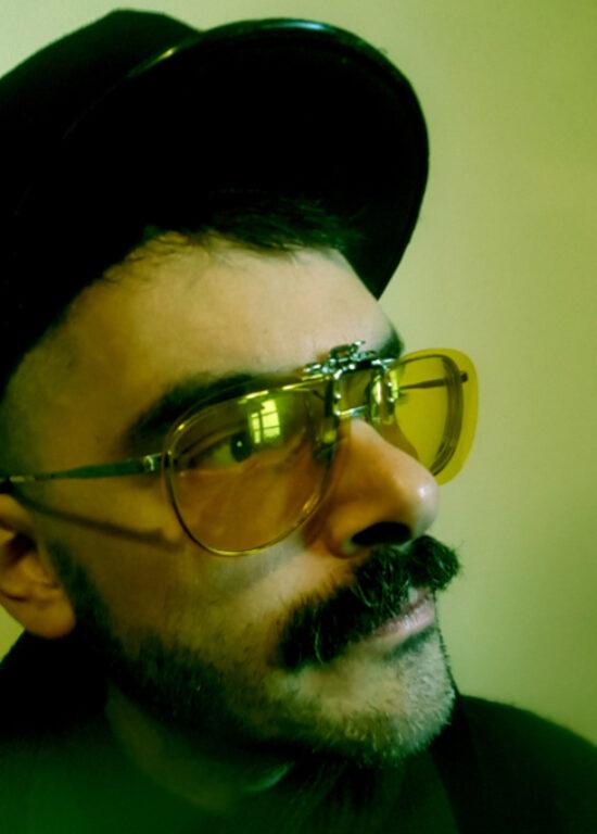 Ergo Phizmiz headshot